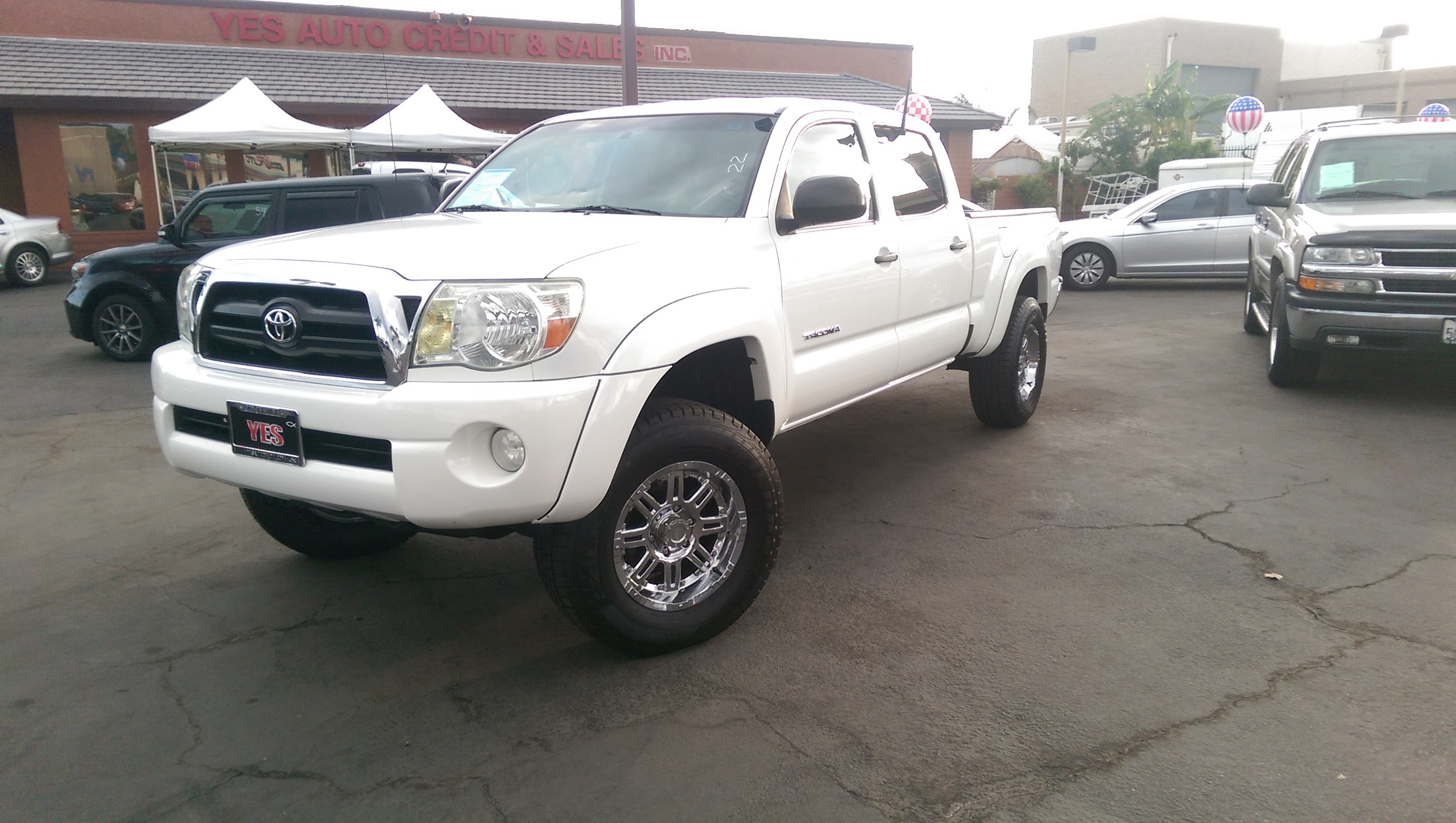 2006 Toyota Tacoma PreRunner V6 A5 MANAGER SPECIALPrice does not include tax licence fees acces