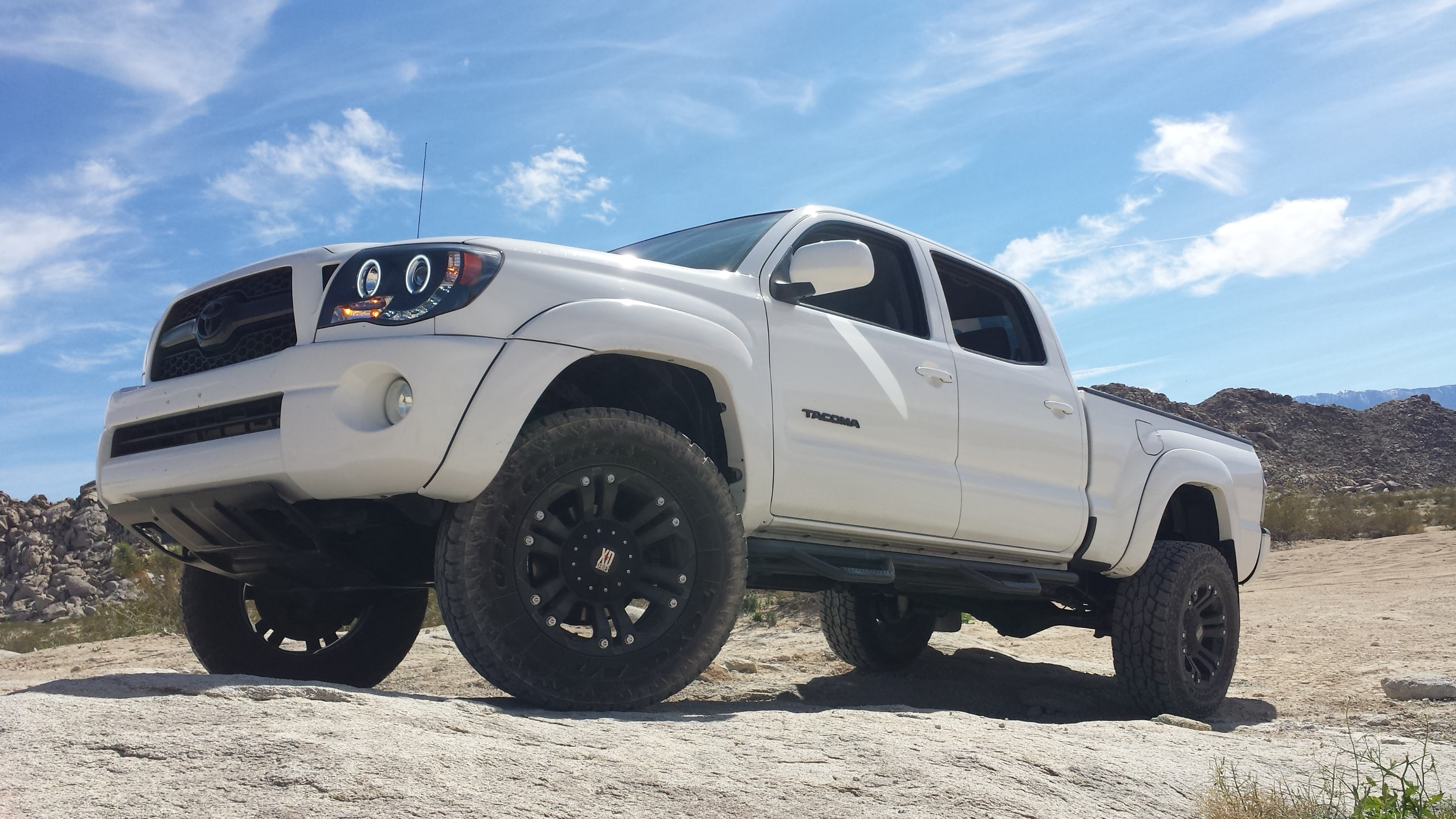 2011 Toyota Tacoma PreRunner V6 THIS TOYOTA TACOMA IS LITERALLY ONE OF A KIND 2011 WITH ONLY 72K M