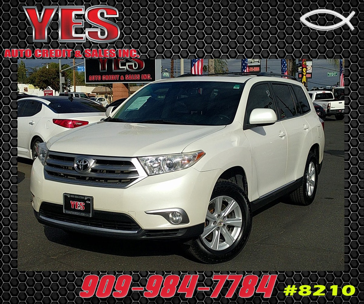 2011 Toyota Highlander INTERNET PRICE Price does not include tax license fees accessories an