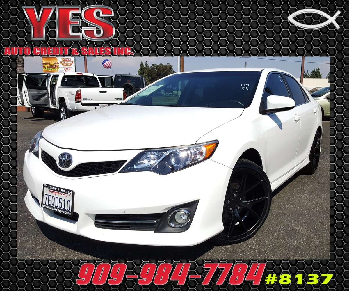 2014 Toyota Camry SE INTERNET PRICE Price does not include tax license fees accessories and