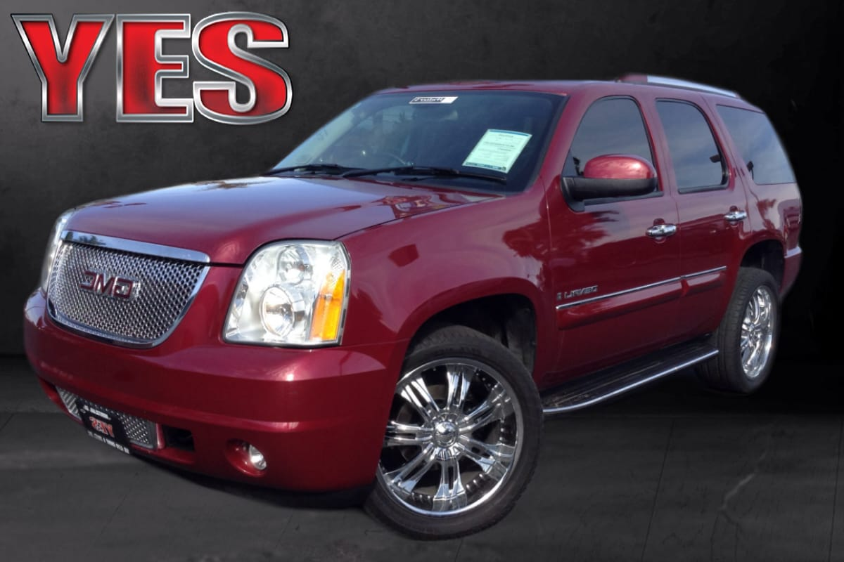 2007 GMC Yukon Denali MANAGER SPECIALPrice does not include tax licence fees accessories and afte