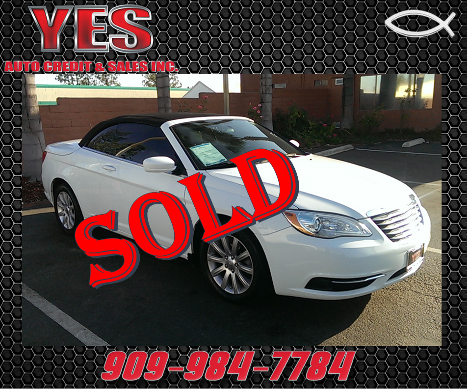 2012 Chrysler 200 Touring MANAGER SPECIALPrice does not include tax licence fees accessories and