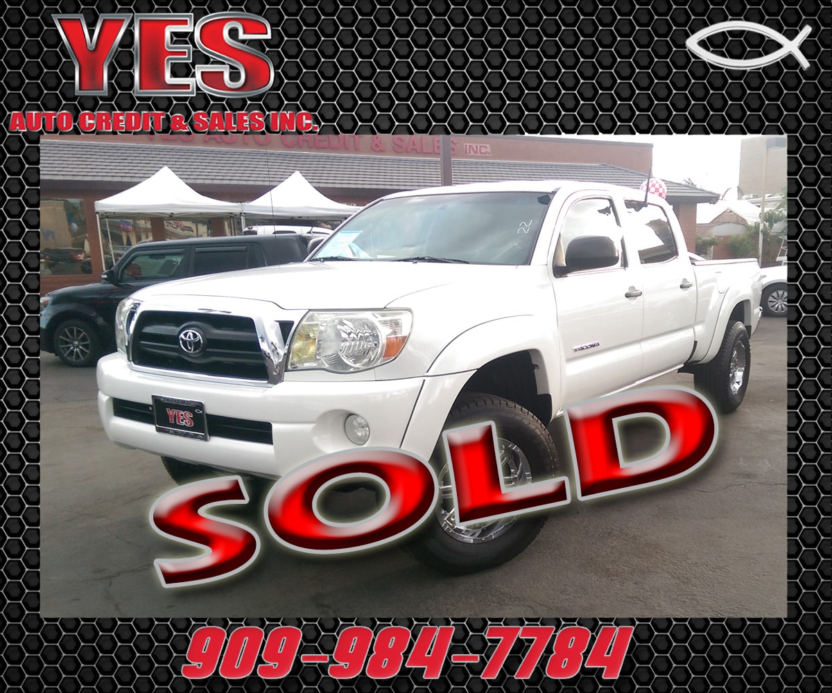 2006 Toyota Tacoma PreRunner V6 MANAGER SPECIALPrice does not include tax licence fees accessorie