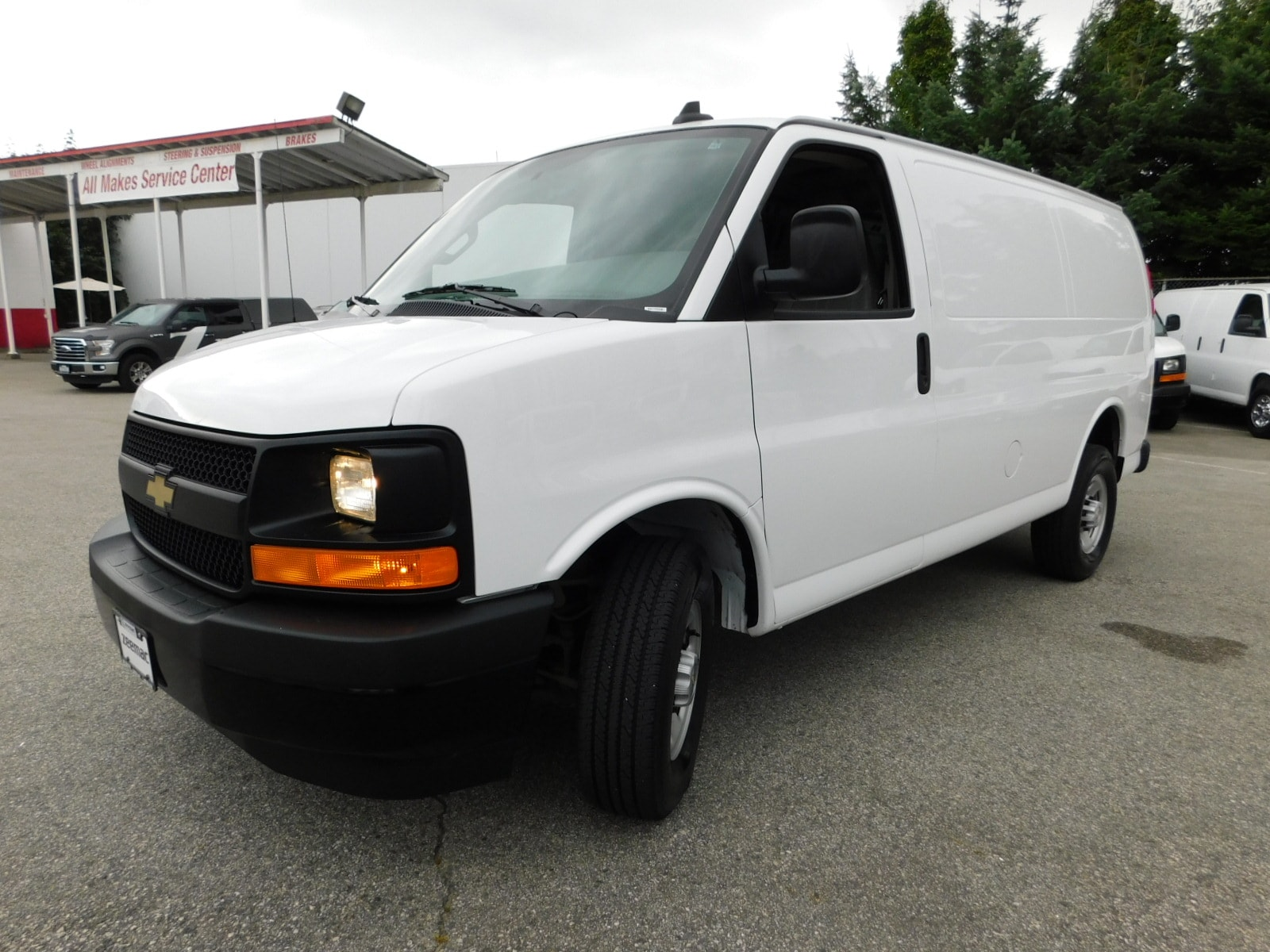 2017 CHEVROLET Express 2500 135' WB w/ Power Group