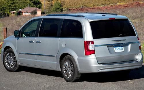 2011 chrysler town country chicago naperville il. Black Bedroom Furniture Sets. Home Design Ideas
