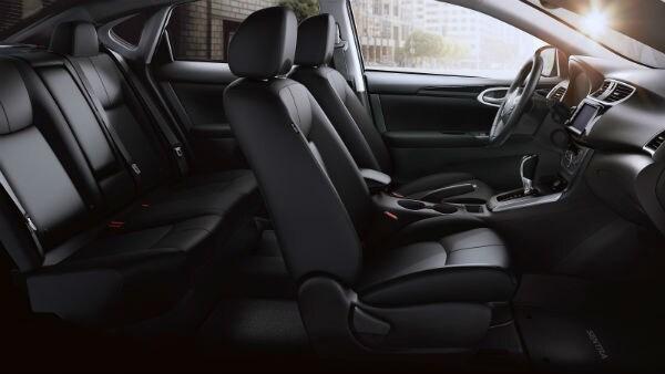 2019 Nissan Sentra interior Vernon Hills, IL Zeigler Nissan of Gurnee