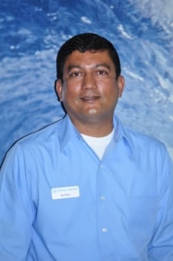 <b>Raj Shetty</b><br>Sales Consultant</br></br>