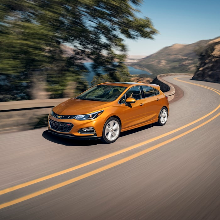 2016-2017 Chevrolet Cruze Sedan and Hatchback in Schaumburg, IL