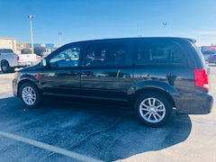 Used 2013 Dodge Grand Caravan SXT Van in Arlington, TX