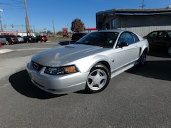 2004 Ford Mustang Base Coupe