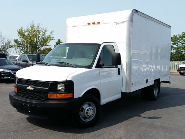 2009 Chevrolet Express 14' CUBE/BOX TRUCK-REAR HEATER-P/W-P/L-CC Truck