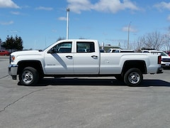 2015 GMC Sierra 2500HD CREW CAB--4X4--8 ' LONG BOX Truck Crew Cab