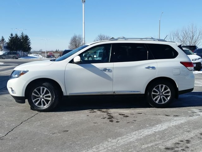 2014 Nissan Pathfinder SL-AWD-HEATED LEATHER--7 PASSENGER SUV