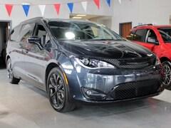 new 2019 Chrysler Pacifica TOURING L Passenger Van philadelphia