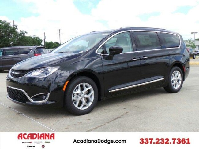 New 2017 Chrysler Pacifica TOURING L PLUS Passenger Van Lafayette, LA