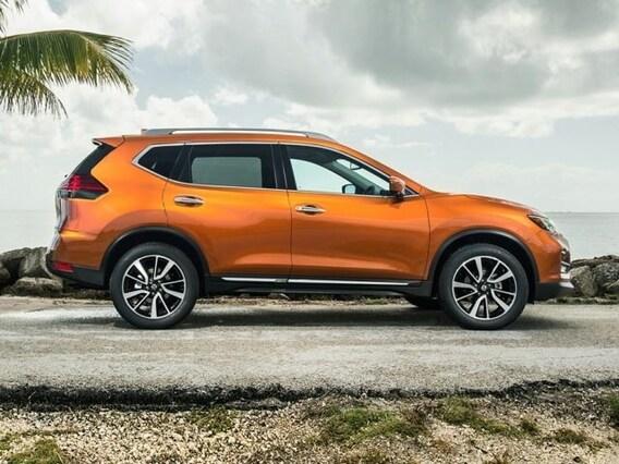 2019 Nissan Rogue vs 2019 Jeep Cherokee   Compare SUVs