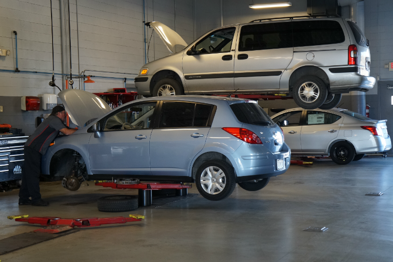 car repair bays at AutoCenters Nissan