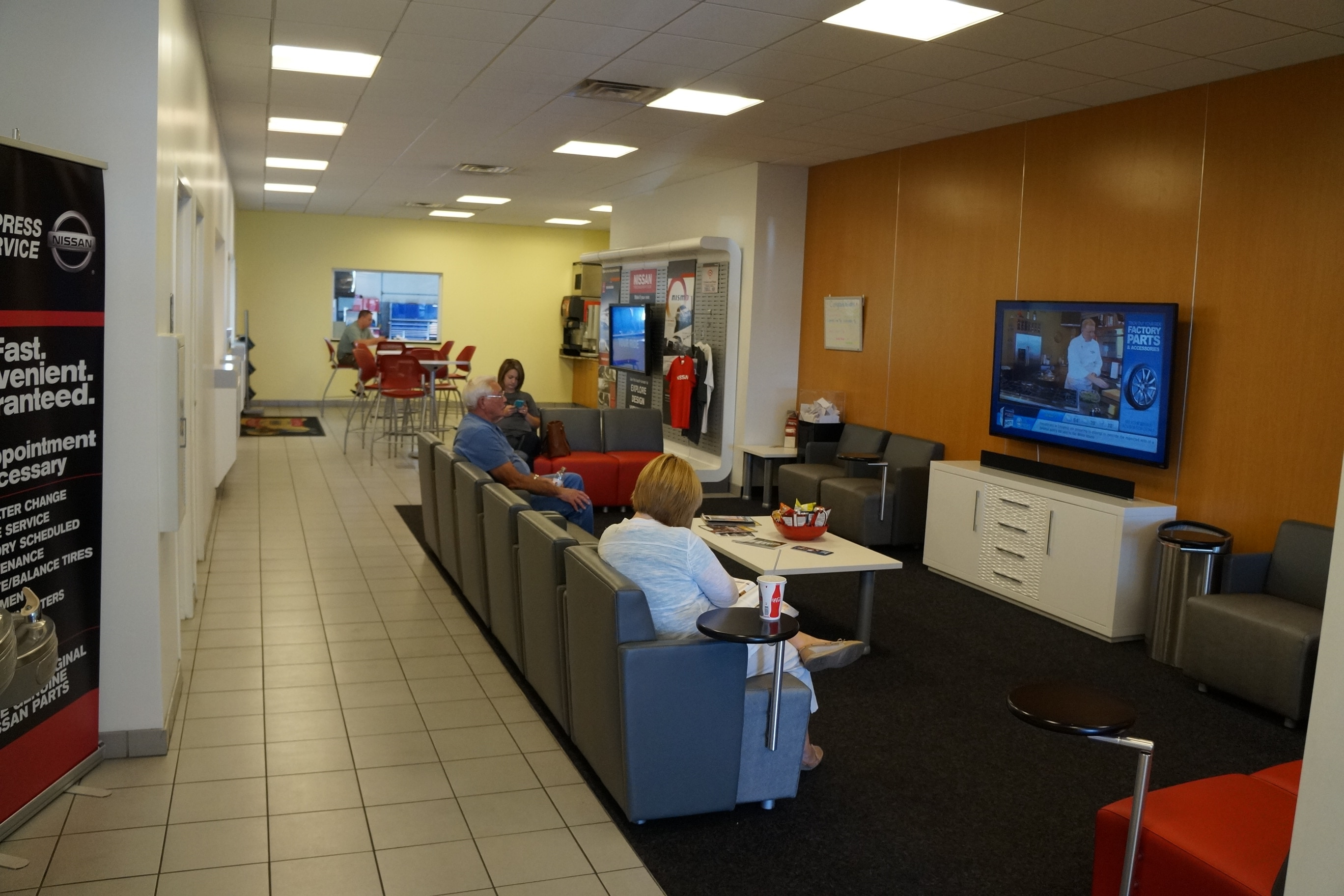 Auto Centers Nissan Serving Alton, IL Waiting Area