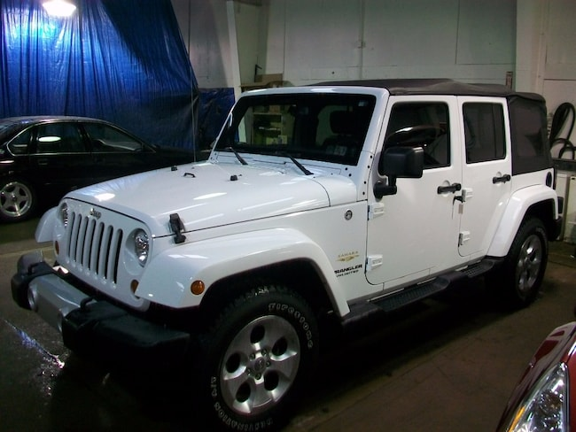 2013 Jeep Wrangler Unlimited Sahara SUV