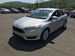 2015 Ford Focus SE Car