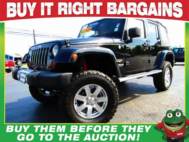Used 2013 Jeep Wrangler Unlimited Unlimited Sahara 4WD - CUSTOM LIFT - Navigation SUV St. Louis, MO
