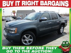 2012 Chevrolet Avalanche LT 4WD - Tow Package - Moonroof Truck Crew Cab