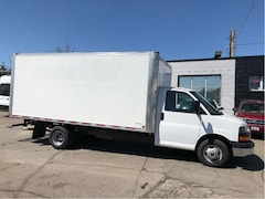 2015 GMC G3500 16 ft cube with ramp