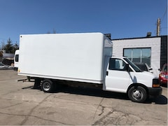 2017 GMC G3500 16 ft cube with ramp