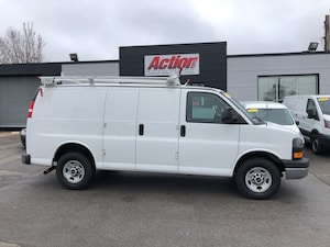 2014 GMC Savana 2500 shelving, divider, ladder rack