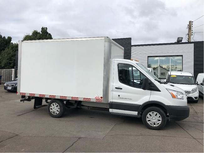 2017 FORD Transit 250 12ft mini cube fin or lease!