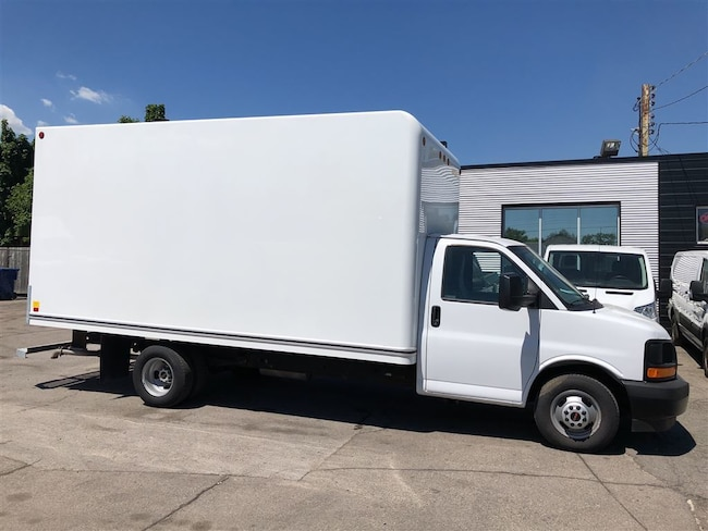 2017 GMC Savana 3500 16ft cube with ramp Cube