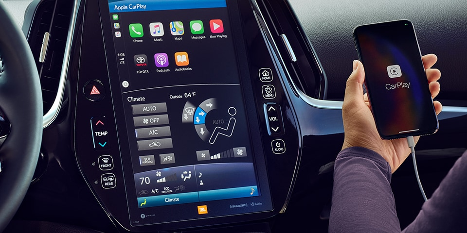 2020 Toyota Prius Display Screen With iPhone CarPlay App