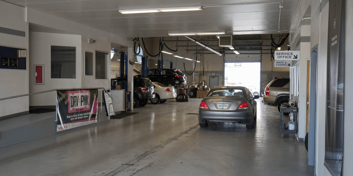 Inside AutoNation Acura Spokane Valley  service center