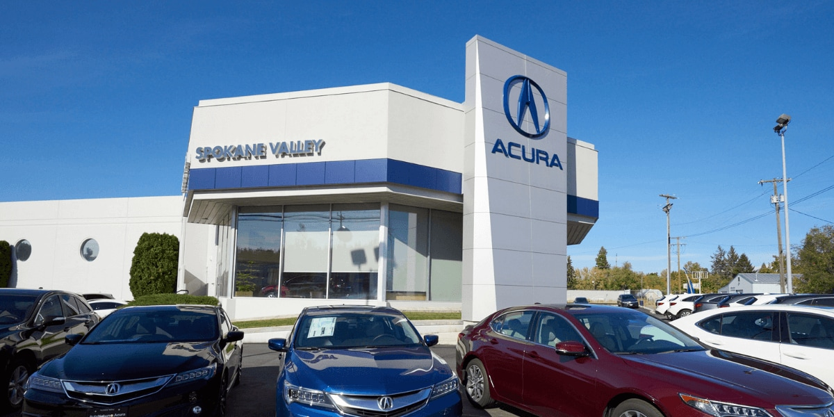 Exterior view of AutoNation Acura Spokane Valley during the day