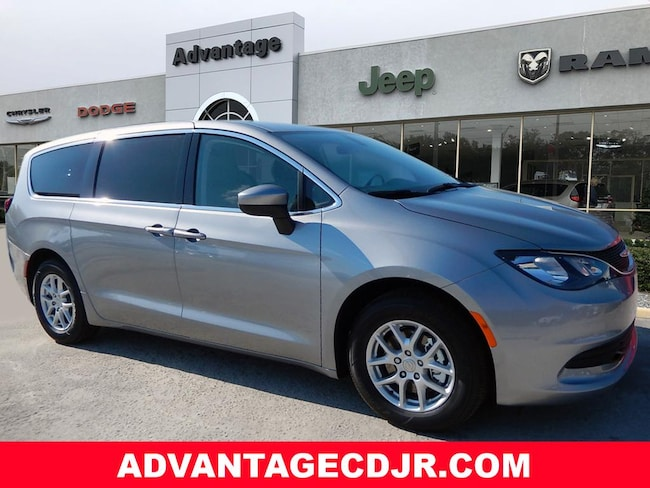 New 2019 Chrysler Pacifica LX Passenger Van in Mt. Dora, FL