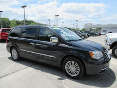 Bargain Used 2013 Chrysler Town & Country Touring-L Van 2C4RC1CG3DR595421 for sale in Mt. Dora, FL