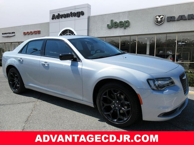 New 2019 Chrysler 300 TOURING Sedan in Mt. Dora, FL
