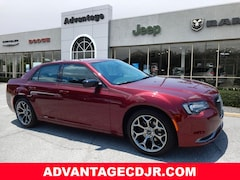 2018 Chrysler 300 TOURING Sedan 2C3CCAAG3JH302048