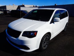 New 2019 Dodge Grand Caravan SXT Passenger Van 98482 for sale in Farmington, NM