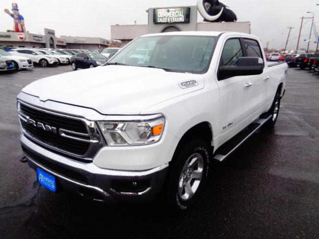 New 2019 Ram 1500 BIG HORN / LONE STAR CREW CAB 4X4 6'4 BOX Crew Cab for sale/lease in Farmington, NM