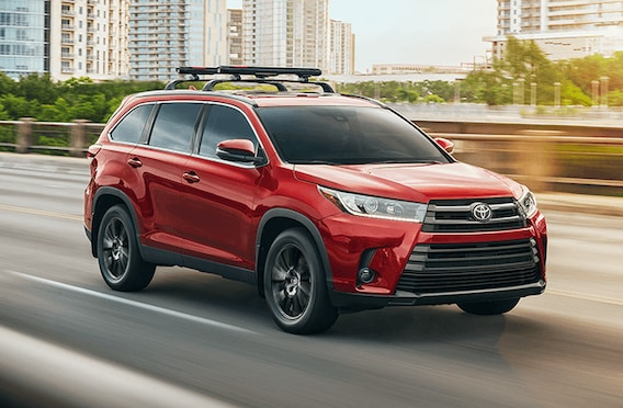 Toyota Highlander Cargo Space >> 2019 Toyota Highlander Review Mpg Cargo Space Towing