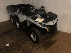 2017 CAN-AM Outlander 6X6 DPS 650 $98.00 BW TAX IN O.A.C.