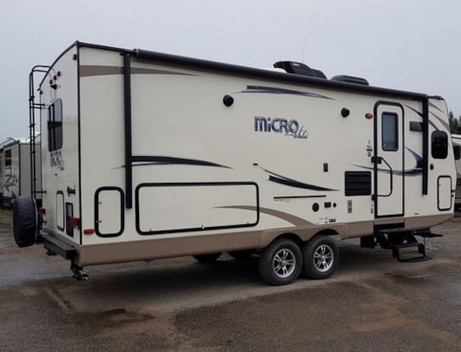 2018 Flagstaff by Forest River 25FKS