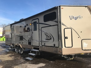 2018 Flagstaff by Forest River V-Lite 30WTBSV $96.00 Weekly o.a.c
