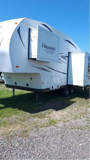 2014 Flagstaff by Forest River 8524RLWS $149.00 Bi-weekly