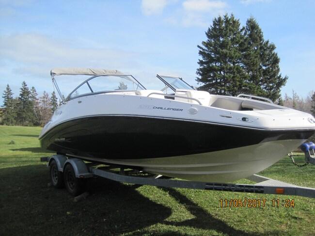 2011 SEA-DOO/BRP 23 challenger SE 430 hp