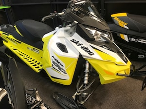 2017 SKI-DOO NEW ! 900 TNT  2 year warranty
