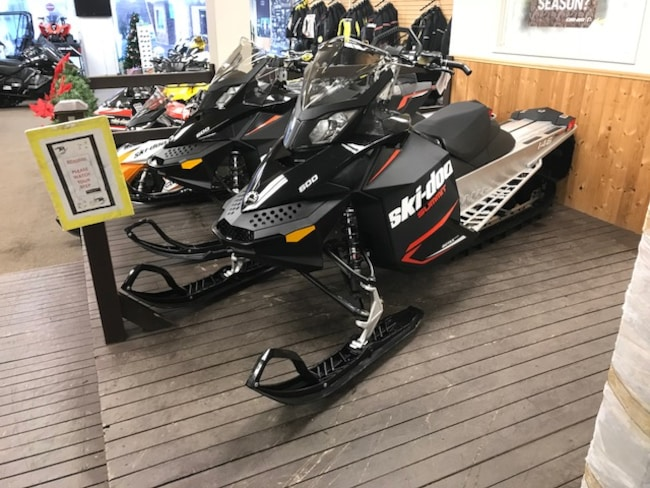 2018 SKI-DOO 2 LEFT! Summit Sport 146 600 $116 B/W
