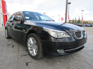 2010 BMW 528 i xDrive*AWD, Leather, Sunroof* Sedan