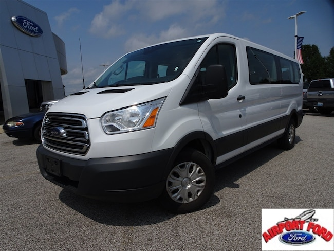 2017 Ford Transit Wagon XLT T-350 148 Low Roof XLT Swing-Out RH Dr